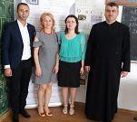 """Eleva Colegiului Național """"Al. I. Cuza"""" Focșani, Atena Vlad, este câștigătoarea premiului pentru interpretare feminină, în rol principal, la STEV 2018Cele mai cititeAnunțuri online în ZdVDatele tale sunt importante pentru noi"""