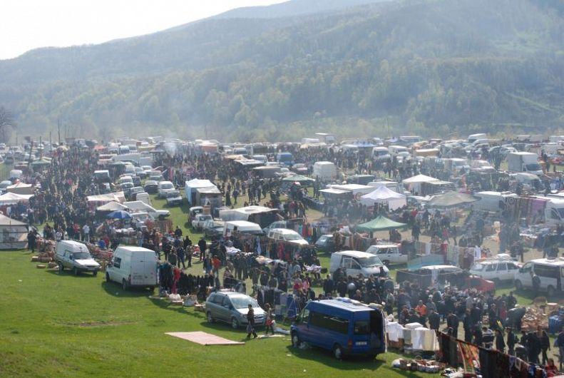 Scandalul a avut loc la Tichiriş la târgul tradiţional