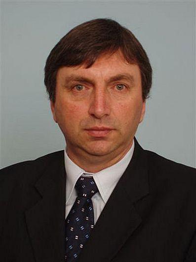 A murit Ionuț Constantinescu fost prefect de Vrancea,viceprimar al Focșaniului și șef al filialei județene PNȚ-CD.Ziarul de Vrancea transmite condoleanțe familiei și apropiaților.Dumnezeu să-l ierte!