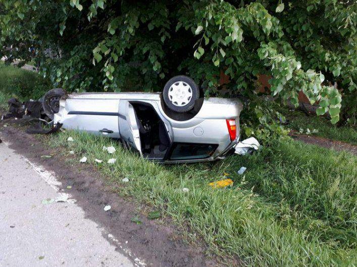 Un bărbat în vârstă de 64 de ani, în timp ce conducea un autoturism pe DJ 205 C, din direcția Focșani către Cârligele, a pierdut controlul asupra direcției de mers și a părăsit partea carosabilă, răsturnându-se în șanțul de pe sensul opus de mers. În urma impactului, a rezultat vătămarea corporală a conducătorului auto, care a fost testat alcoolscop, rezultat fiind de 0,91 mg/l alcool pur în aerul expirat.Foto cu rol de informare din arhiva ZdV.Credit foto:ziare.com