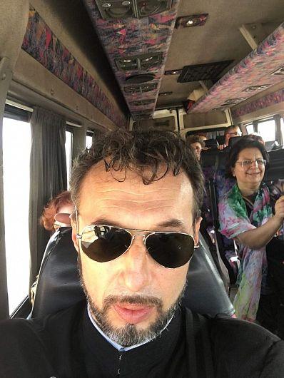 Preotul Cătălin Ifrim,directorul Căminului pentru persoane vârstnice din Focșani-fotografie preluată de pe contul de facebook Realitatea De Vrancea