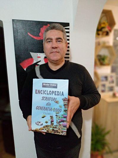 Gheorghe A. Stroia estepoet, prozator, promotor cultural și editor, membru ARA (2013) și USE-Uniunea Scriitorilor Europeni- (2018).
