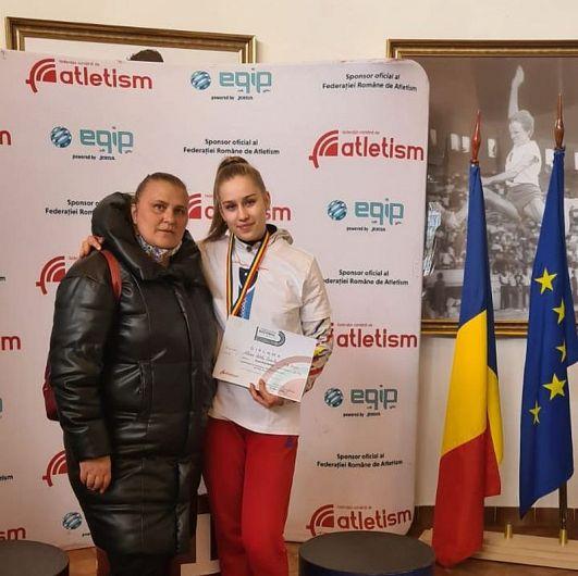 Atleta originară din Adjud, Alisia Paruba, împreună cu actuala sa antrenoare de la SCM Bacău, Mihaela Melinte