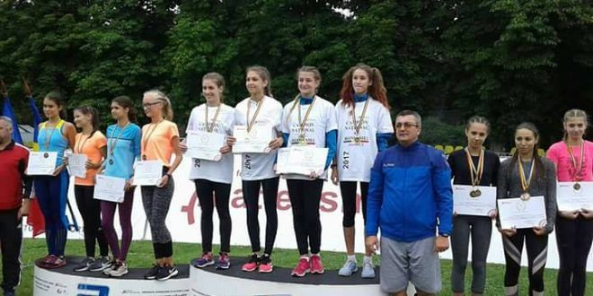 Andreea Tănase, Karina Toader, Alexandra Banciu și Corina Ilinoiuau câștigattitlurile de campioane naționalela 400 individual,4x100m şi 1000 Sprint Medley la juniori 3 în întercerile  la București în zilele de 15 și 16 iulie 2017.Foto:emigrantul.it