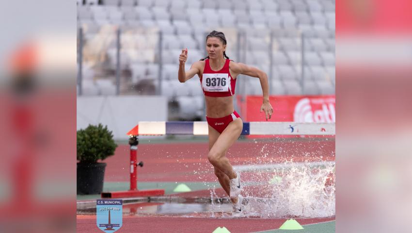 Claudia Prisecaru, la Campionatele Naționale de atletism seniori și tineret, desfășurate la Cluj-Napoca. Sursă foto: CSM Focșani 2007 oficial