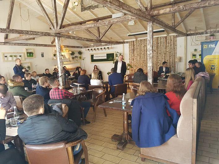 Marius Bostan Antreprenor, Fondator Fundatia Nationala a Tinerilor Manageri; fost ministru al comunicatiilor, initiator RePatriot a praticipat la Cafeneaua Antreprenorialade la Focșani de sâmbătă 10.02.2018, și a susținut mai multe prelegeri