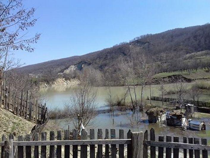 Alunecarea de teren de la Luncile-Chiojdeni-09.04.2018-1-Foto Mădălin Grăniceru-colaborator ZdV
