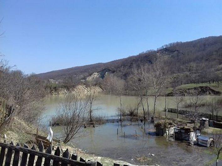Alunecarea de teren de la Luncile-Chiojdeni-09.04.2018-2-Foto Mădălin Grăniceru-colaborator ZdV