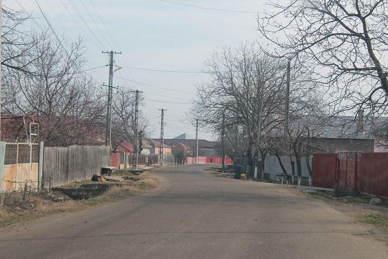 Drumul pleacă de la Bolotești și ajunge la Milcovul