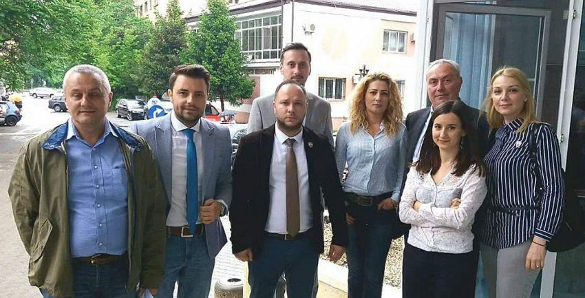 Cei opt consilieri ai PNL Focșani: Ana-Maria Dimitriu, Nicu Tănase, Alina Drumea, Ionuț Filimon, Laura Ciocoeaș,Corneliu Dumitru Gheoca, Dan Buzoi și Alin Dobre