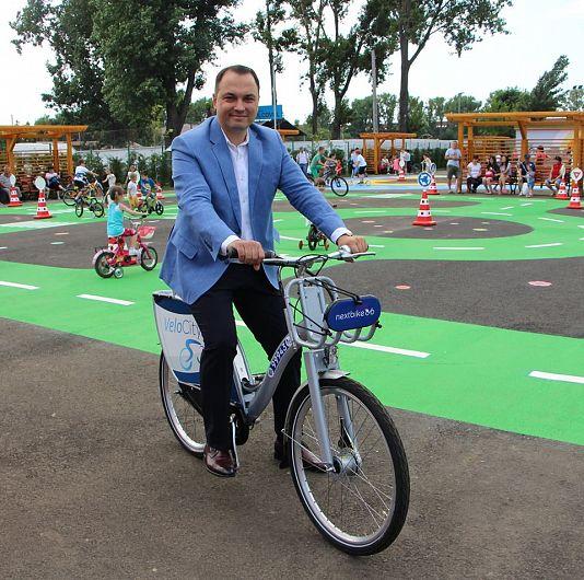 După primarul Misăilă nimeni n-a mai reușit să se plimbe cu biciletele inteligente de la Velo Park de o  lună și jumătate,iar timpul trece în continuare!