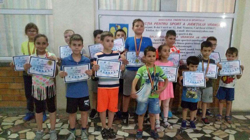 Premianții Cupei Vrancei la șah blitz pentru copii și juniori grupa open -26.06.2018