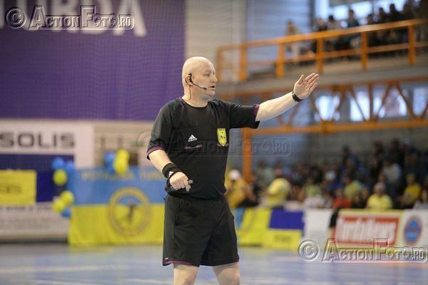 MarianDrăghici este profesor în Adjud. Foto: Action Foto