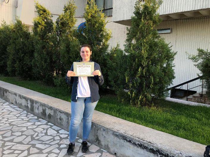 Cuzista Teodora Pavil a obținut locul I la olimpiada națională de limba engleză.Ea este pregătită de profesoara Ramona Necula.