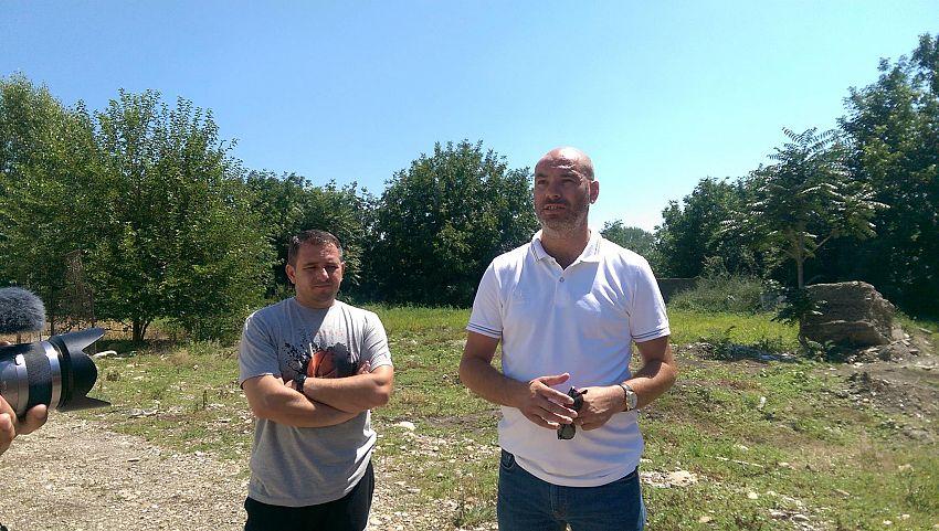 Foto Mihai Petruț, directorul LPS și Viorel Ciubotaru, directorul CSM 2007 Focșani