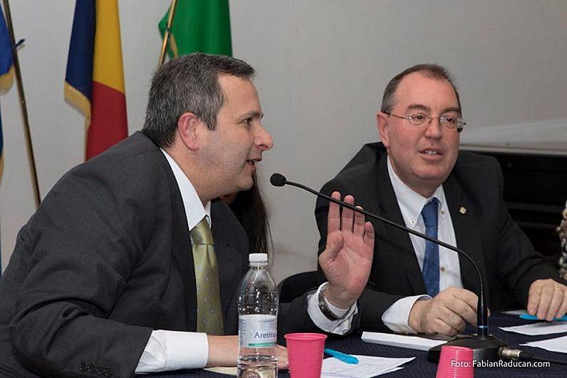 Cei doi italieni Emanuele Latagliata și Giancarlo Germani care se gândesc la problemele României mai mult decât o fac foarte mulți români