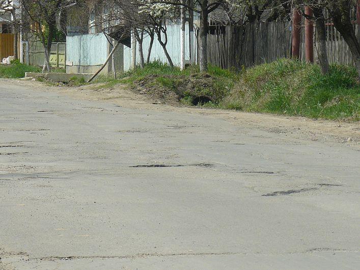 Locuitorii și autoritățile din Urechești au reclamat de multe ori starea DJ 205 B