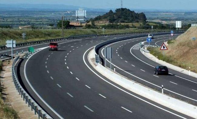 Foto În România elaborarea documentațiilor durează cât construcția autostrăzilor în alte țări