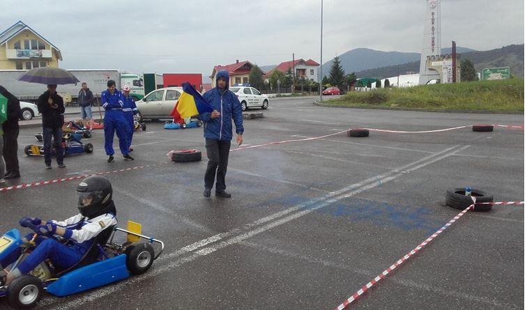 Foto : La START pe circuitul de karting de la Sala Polivalentă