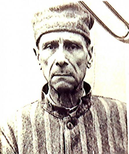 Foto2: Iuliu Hossu în zeghe la închisoarea de la Sighet