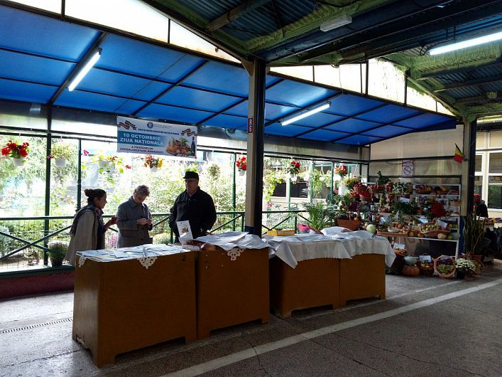 Expoziția cu produse agroalimentare din Vrancea organizată  în Piața  Moldovei din Focșani anul trecut cu ocazia Zilei naționale a produselor agroalimentare românești