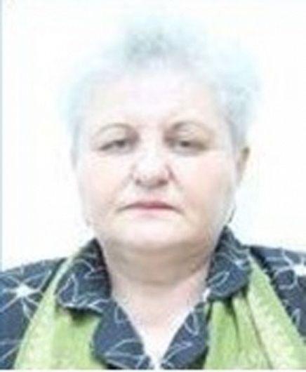 DOBOȘ ANIȘOARA, în vârstă de 57 ani, care la data de 19 iulie a.c., în jurul orei 12.00, a plecat voluntar de la domiciliu din municipiul Adjud și nu a mai revenit până în prezent.Persoanele care pot furniza orice informaţii despre aceasta, sunt rugate să se adreseze celei mai apropiate unităţi de poliţie sau să apeleze gratuit numărul unic de urgenţă 112!