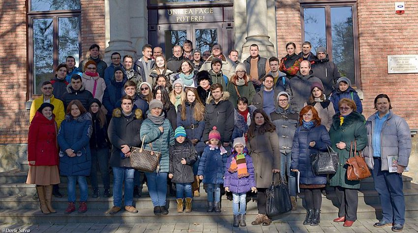 Zeci de cetățeni, între care mulți tineri, s-au înscris în excursia noastră culturală prin Focșaniul Unirii - civic walking tour - în Focșani