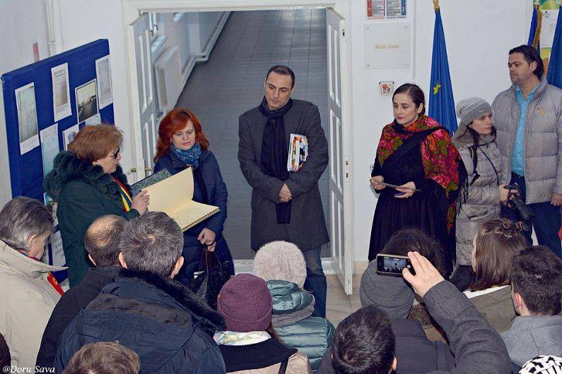 Calatorii prin #FocsaniUnirii au putut vedea cu ochii lor semnatura istoricului Nicolae Iorga în cartea de onoare cu ocazia inaugurarii primului nucleu a ceea ce a devenit Colegiul National