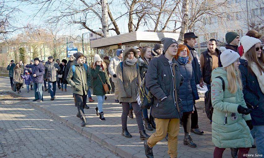 Peste 60 de oameni au venit la Focșaniul Unirii - civic walking tour. Mulțumim tuturor.