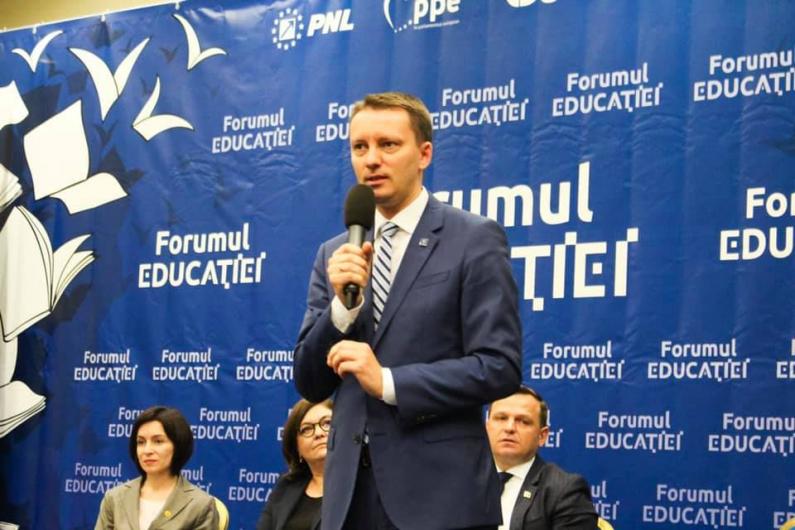 FOTO: Europarlamentarul Siegfried Mureșan a participat la Forumul Educației