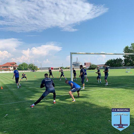Echipa de fotbal seniori CSM Focșani 2007 s-a reunit luni 29 iunie 2020 în vederea reluarii pregătirii pentru noul an competițional 2020-2021.Foto:CSM Focsani 2007 - Fotbal