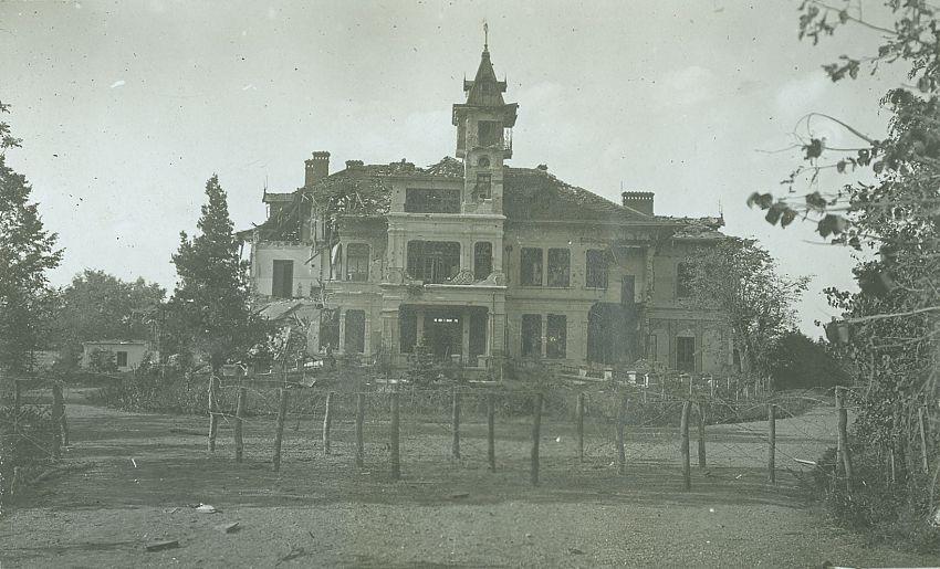 1917, august. Castelul Negropontes .Sursa foto: ANR, SANIC, Colecția Documente Fotografice, albumul 202, fotografia 160