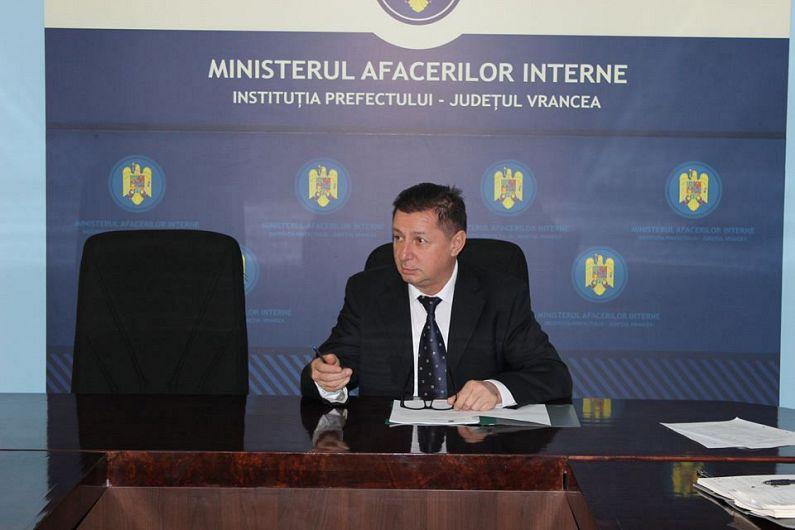 Se vehiculează, pe surse, informația că actualul prefect de Vrancea, Gheorghiță Berbece și-ar putea pierde postul.S-ar putea întâmpla acest lucru, conform surselor menționate, atât în cazul în care, postul se va stabili, că-i alocat PNL, dar și sigur, în situația  în care USR-PLUS va da numele viitorului prefect de Vrancea