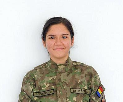 Focșăneanca Anamaria Mîndroiu are 19 ani și este studentă în anul I la Institutul Medico-Militar, Catedra de Pregătire şi Perfecţionare Medico-Militară București.