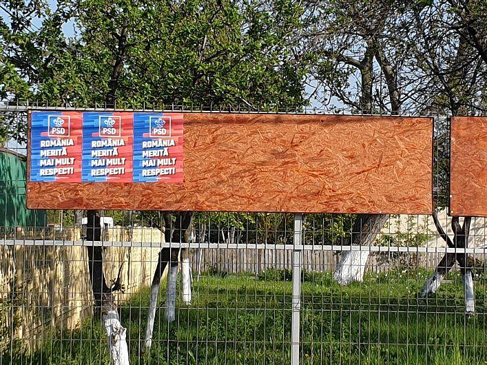 Afișaj electoral în ziua de 26.04.2019, când campania electorală nu a început la, Slimnic, Tâmboești-foto:PNL Vrancea