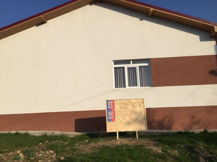 Afișaj electoral în ziua de 26.04.2019, când campania electorală nu a început la, Vidra 1-foto:PNL Vrancea
