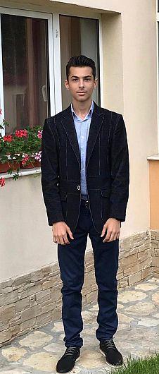 Dragoș Norocea , absolvent al Colegiul Național Al.I.Cuza Focșani  a obținut media generală 10 , la examenul de Evaluare Națională 2019
