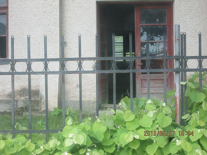 Foto 12 :starea de delăsare și dispreț pentru clădirea căminului cultural din Sihlea