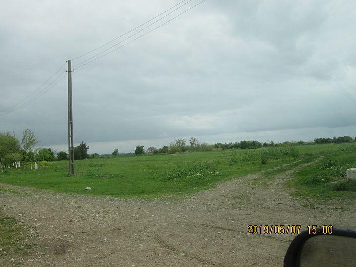 Foto 9 :terenul de sport din Bogza, comuna Sihlea, neîngrijit, propus se pare, pentru schimbarea destinației