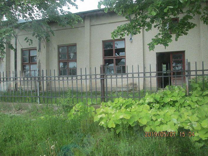 Foto 11 :starea de delăsare și dispreț pentru clădirea căminului cultural din Sihlea