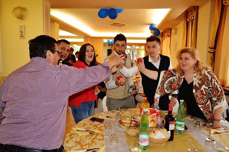 Cum au petrecut vrancenii alături de mulţi alţi români şi de italieni, de Paşte, la Roma-6