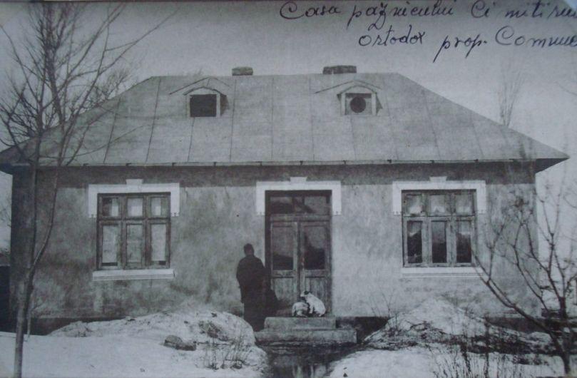 Foto:Casa paznicului din Cimitirul Ortodox
