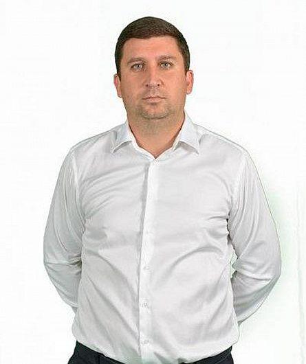 Daniel Gheorghe Leașa, colegul de partid al primarului Misăilă și cumătrul familia Firea-Pandele din Voluntari este patronul firmei care umple de autobuze second-hand, firma SC Transport Public SA a Primăriei  Focșani