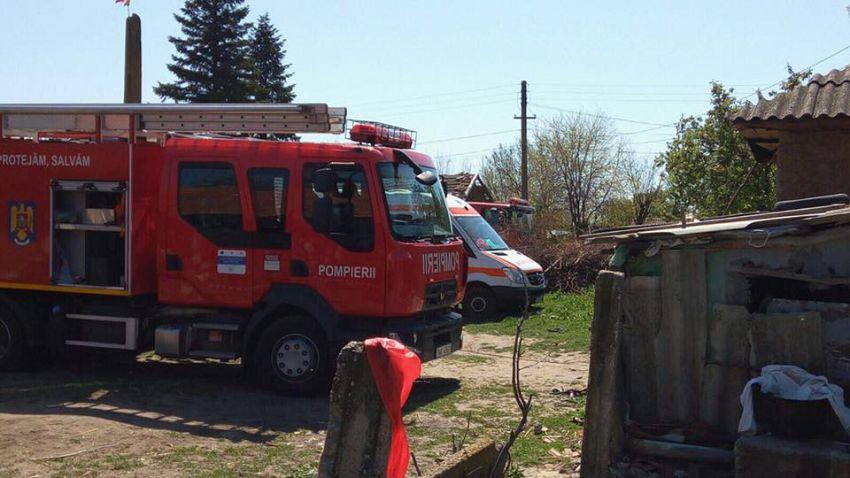 Pompierii de la Vidra au intervenit cu o autospecială