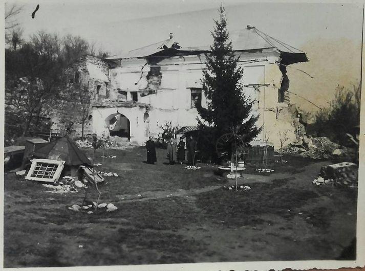 Schitul Brazi' după cutremurul din 1940. Foto:contul de facebook Gheorghiu Diana