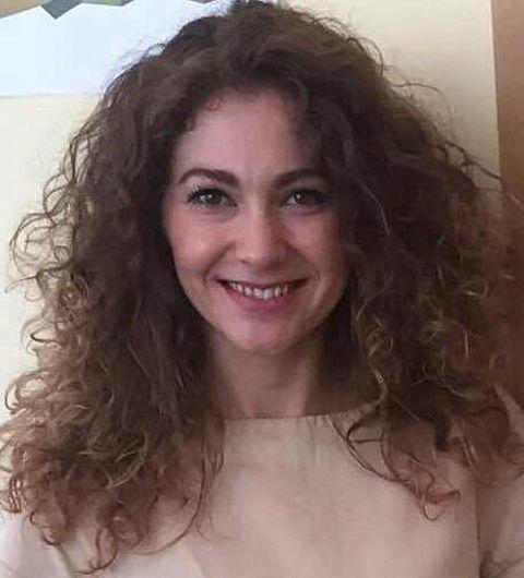 Corina Lefter,absolventa Colegiului Național Al.I.Cuza, Focșani,acum diplomat în Ministerul Afacerilor Externe-fotografie preluată din revista