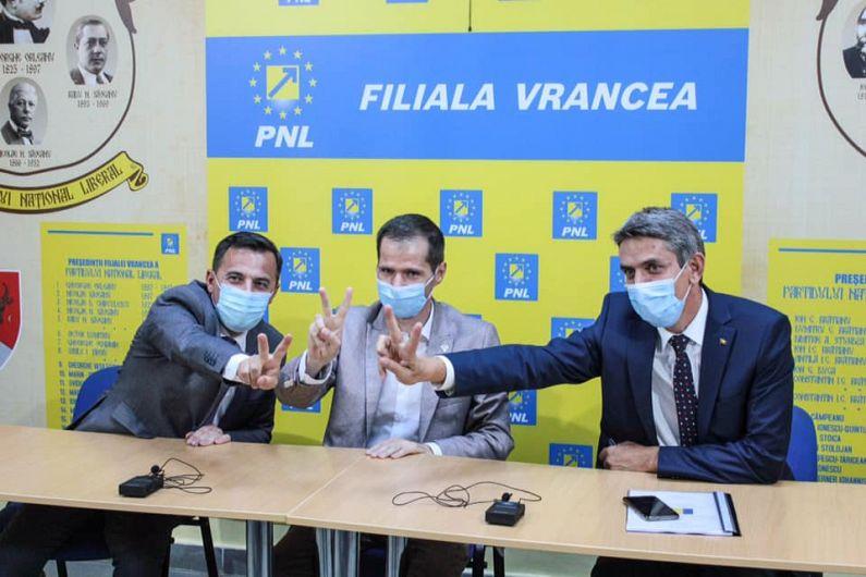 Foto 2 Ministrul Ion Ștefan, senatorul Cătălin Toma și șeful Cancelariei primului ministru, Ionel Dancă