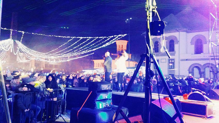 Trupa La Bouche pe scena din Piaţa Unirii de Revelion-1