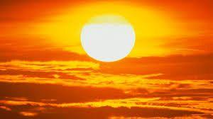 Legenda Soarelui, compunere relizată de Aniela Colnicianu , elevă în clasa a VIII-a,Școala Gimnazială REGINA MARIA,  Vintileasca, Vrancea .Foto:arhiva ZdV credit foto:Avanteje.ro