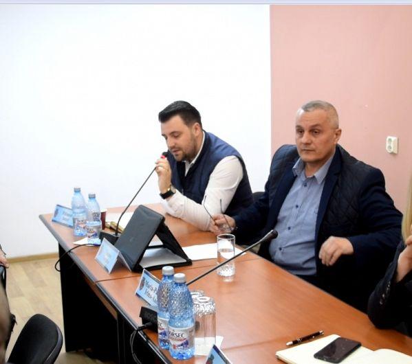 Foto: Nicu Tănase a declarat că primarul Misăilă vrea să externalizeze serviciile unor firme căpușă